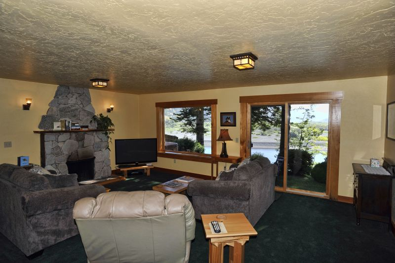 Hotels in Gold Beach Oregon Eagle House Suite